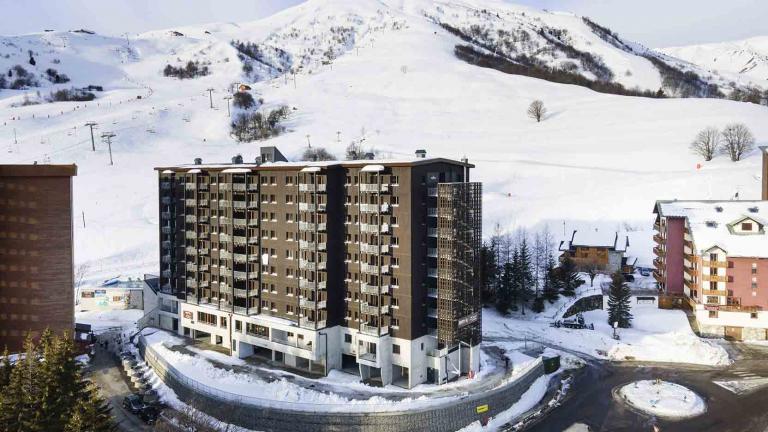 MMV Etoile des Sybelles au Corbier, la plus haute résidence hôtelière en bois d'Europe