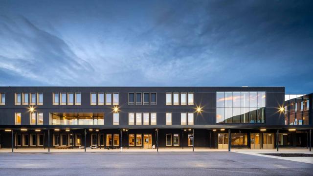 Collège en modulaire bois dans le quartier Revaison à Saint-Priest