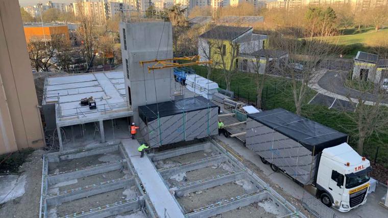 Le premier logement modulaire bois est arrivé sur le chantier de la résidence Saint-Exupéry à Sartrouville